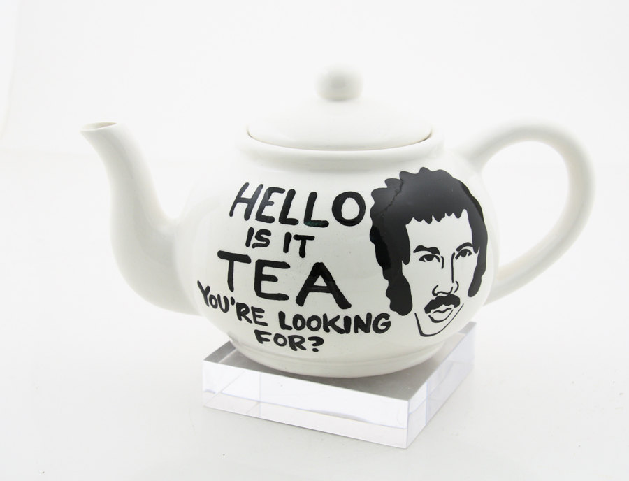 https://thetreasurehunteruk.files.wordpress.com/2012/07/etsy-lenny-mud-lionel-richie-hello-is-it-tea-youre-looking-for-teapot.jpg