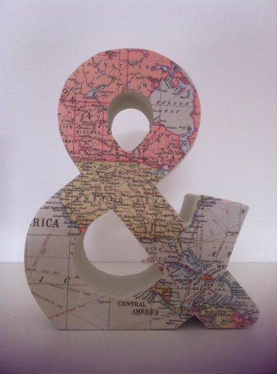 Map covered 3D ampersand