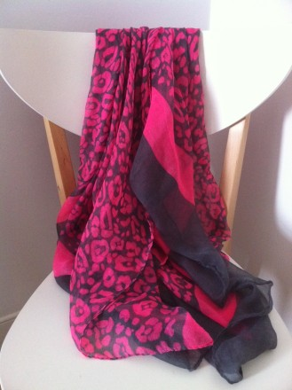 neon flouro leopard print scarf £6 stall on Argyle St in London