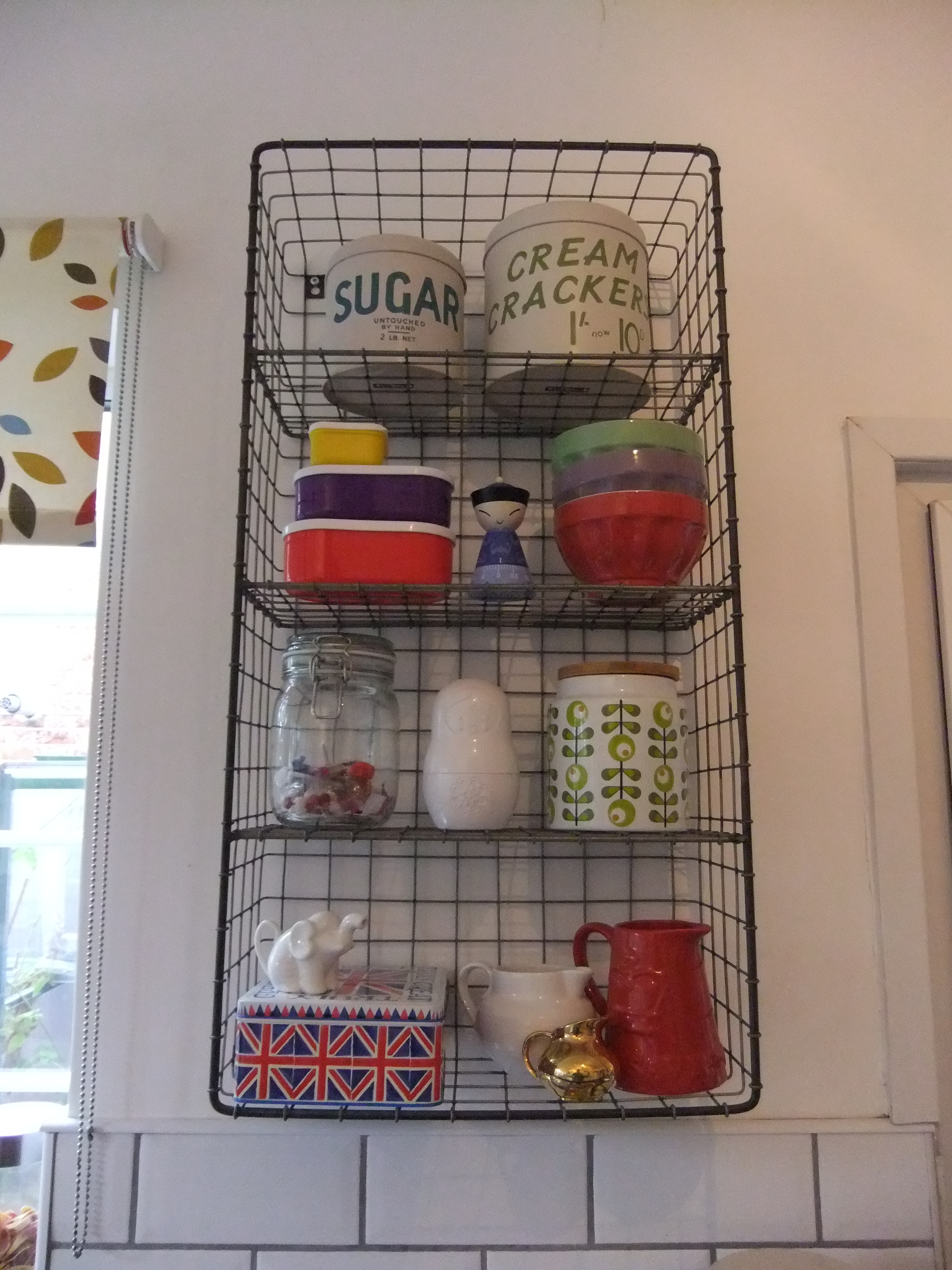 Wire shelves the treasure hunter well designed quirky for Quirky interior accessories