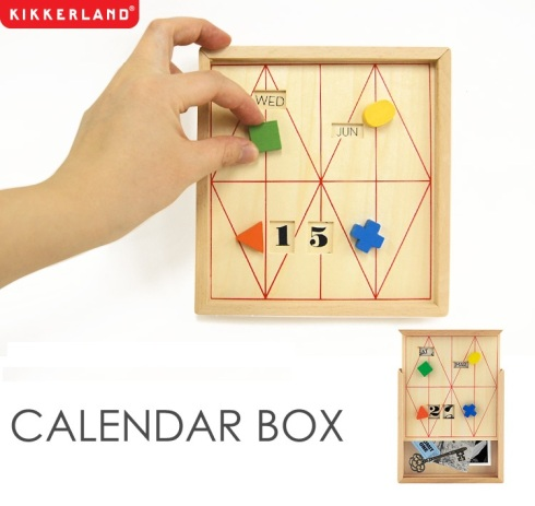 Kikkerland calendar box with hand