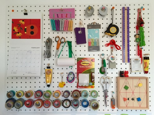 Desk pegboard (pic courtesy TheTreasureHunterUK.com)