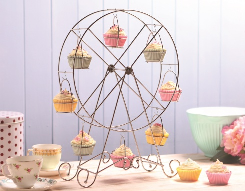 Ferris Wheel Cupcake Holder, £4.99 Home Bargains